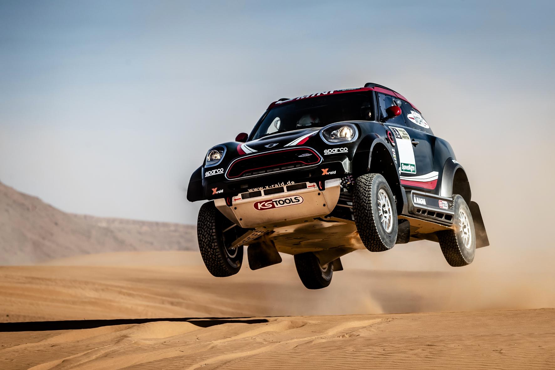 Mit dem neuen Mini John Cooper Works Rally will das X-raid-Team bei der Rally Dakar hoch hinaus.© X-raid / https://www.youtube.com/watch?v=x0S5TLATuFk / TRD Pressedienst