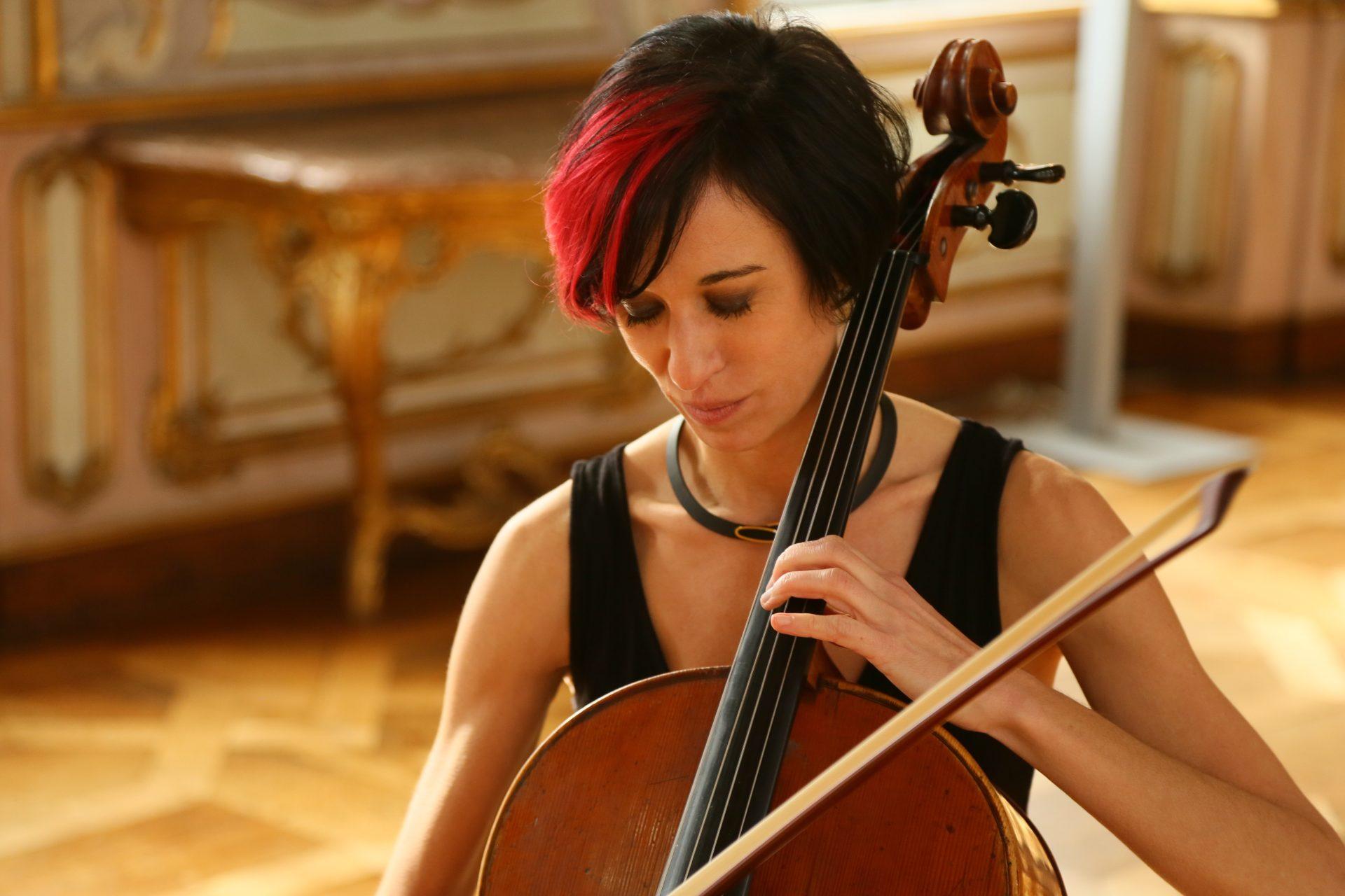 Ruth Maria Rossel ihr Cello