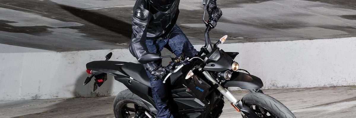 Elektro-Motorräder wie die Zero FXS spielen auf dem Zweirad-Markt aktuell noch eine Nebenrolle. © Zero/ TRD Zweirad (trd mobil)