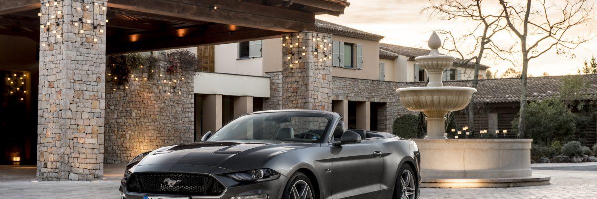 Der Ford Mustang GT mit versenkbarem Verdeck wirkt polarisierend. © Ford/TRDmobil