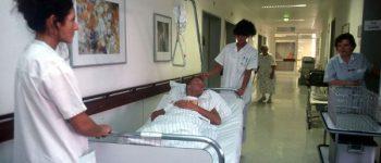 Im Krankenbett im Krankenhaus