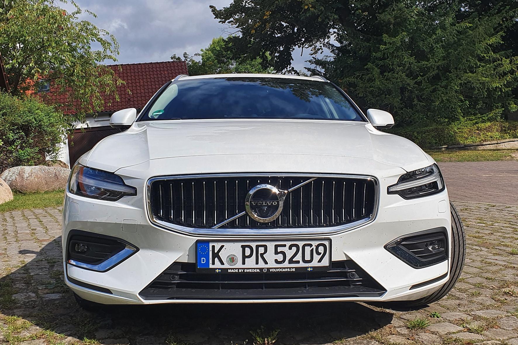 Auch mit dem V60 in seiner zweiten Generation setzt Volvo die Tradition fort, als Autobauer den Menschen, die Sicherheit und die Werte der Natur zu fokussieren